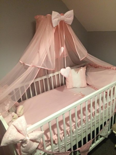 Beautiful, pink and white broderie anglaise and lace girls cot bedding (also available in baby blue)