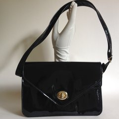 Black Faux Patent Glossy 1970s Adjustable Strap Shoulder Bag With Fabric Lining