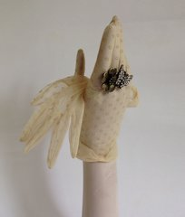 1950s Vintage Ivory Nylon Sheer Stocking Wedding Gloves Daisy Pattern Size 7