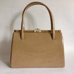 Classic Beige Faux Leather 1950s Vintage Handbag With Buff Suede Lining And Elbief Frame