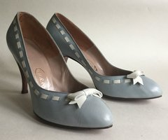 DELMAN Harrods Baby Blue Leather 1950s Vintage Court Shoe White Bow Inserts UK 8