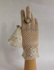 Vintage 1950s Ivory Crochet Fish Net Stocking Wrist Length Gloves Size 6.5/7