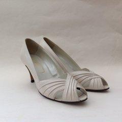 "BALLY Court Shoes Vintage 1980s Peep Toe Ivory Leather 3.25"" Heel UK 5 EU 38"