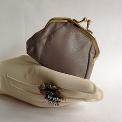 Vintage 1950s Taupe Small Unlined Leather Coin Purse With Gold Toned Frame