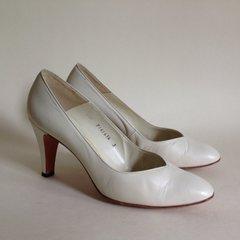 Bally Suisse Vintage 1980s Ivory Leather Mid Heel Court Shoe UK 3 US 5.5B EU 36