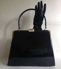 Freedex Black Faux Patent Leather 1960s Vintage Handbag with Red Fabric Lining Mod GoGo Kelly Mad Men