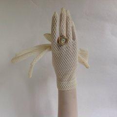 1950s Vintage White Nylon Sheer Stocking Gloves Wedding Patterned Back Size 6.5