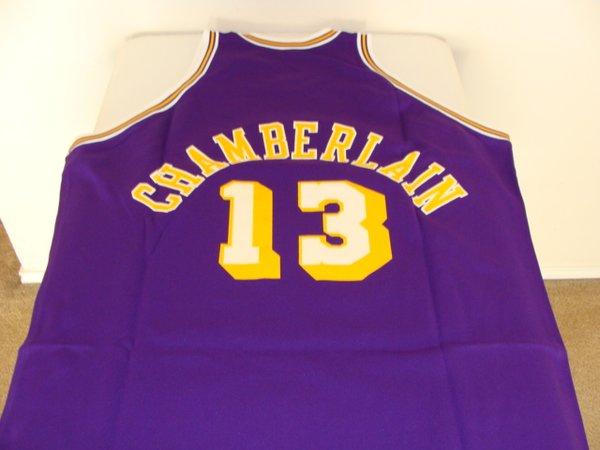 ... 13 WILT CHAMBERLAIN Los Angeles Lakers NBA Center Purple Throwback  Jersey ... 142330f6f