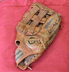 """Wilson The Boss A9840 Softball Baseball Leather Glove Mitt 13"""" RHT"""