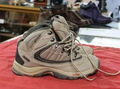 Hi-Tec Tan Hiking Boots--8.5