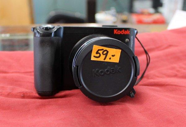 Kodak Easyshare Z8612IS 8.1 MP Digital Camera with 12xOptical Image Stabilized Zoom