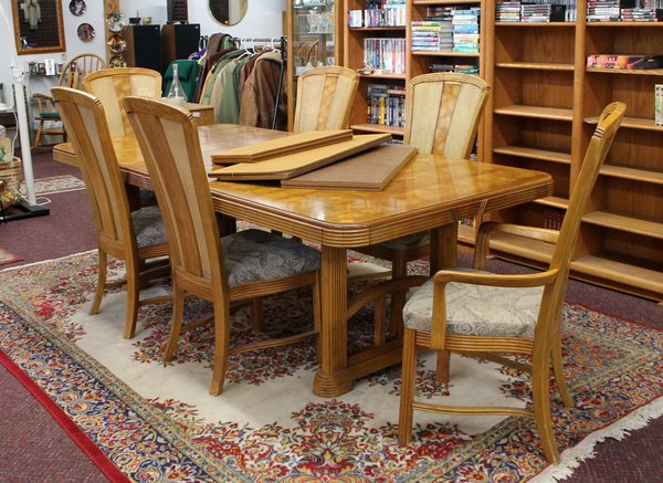 Oak DiningTable w/ 2 Leafs, Table Covers & 6 Wicker Hi-Back Chairs