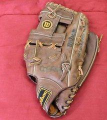 "Wilson Pro Force 3 A9861 13"" RHT Softball Leather Glove Mitt"