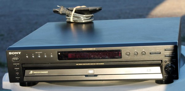Sony 5 Disc CD/DVD Player-DVP-NC655P