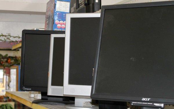 Assortment of Flatscreen Computer Monitors