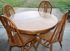 Clawfoot Round Oak Dining Table Set
