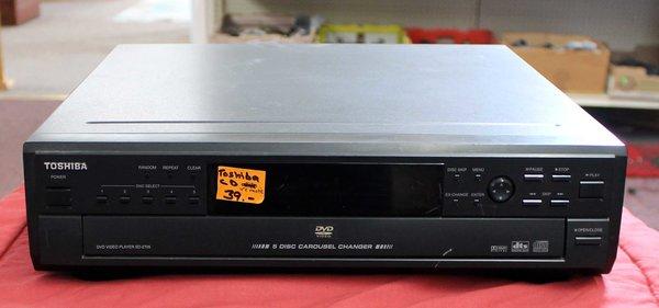 Toshiba DVD 5 Disc Carousel/Changer w/ Remote