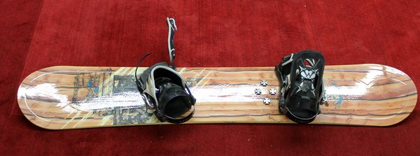 Lamar Cruiser 154 Snowboard w/ Bindings