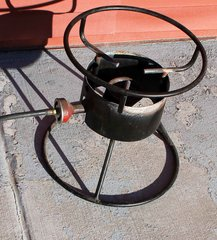 Single Burner Outdoor Cast Iron Propane Cooker w/ Regulator