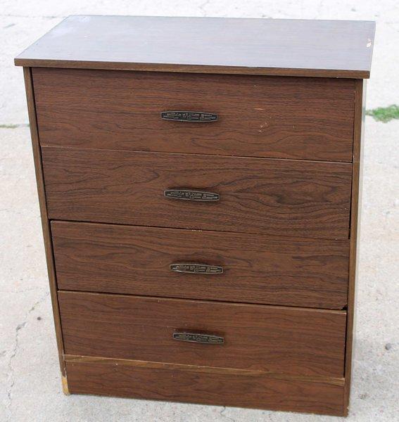 4-Drawer Chest of Drawers/Dresser