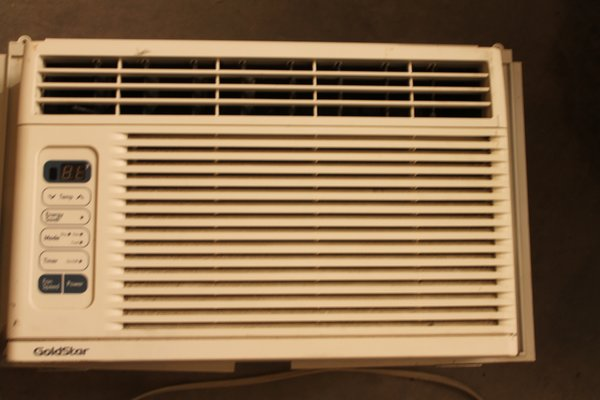 Gold Star MO#WG600R BTU 6000 Air Conditioner | The Jolly Pack Rat ...