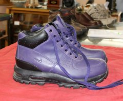 Nike Air Ace Purple Boots--size 8