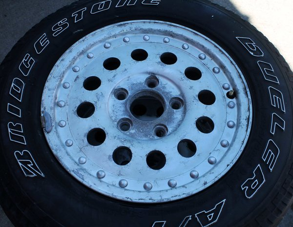 "15"" 5 Hole x 4 1/2"" Aluminum Wheels"