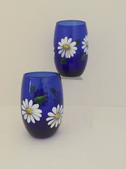 Daisies, Cobalt Blue Stemless White Wine