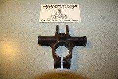 Used 45876-47 Upper Snubber Bracket