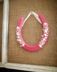 Lucky Horseshoe- Pnk with Side Beads