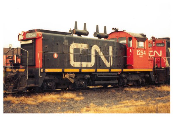 Trueline Trains Ho Scale CN SW1200RS Canadian National (Red Cab) *Preorder*