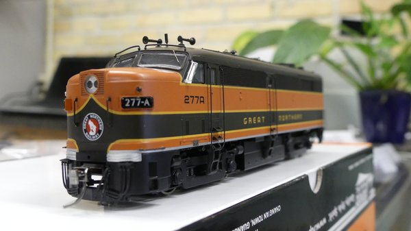 Rapido Ho Scale FPA-2 Great Northern DCC W/Sound