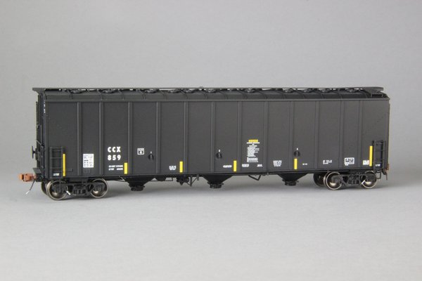 """Ho Scale Scaletrains Rivet Counter Columbian Chemicals/CCX Thrall 5750 """"1980's Version"""" Carbon Black Hoppers"""