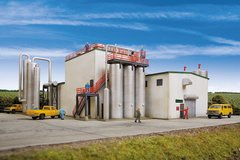 Walthers Cornerstone HO Scale Ethanol Processing Center