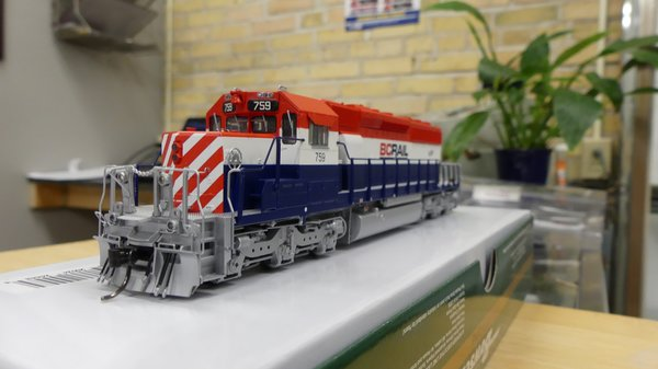 Bowser (2nd Release) Ho Scale BC Rail RWB Late SD40-2 DCC & Sound W/Ditchlights