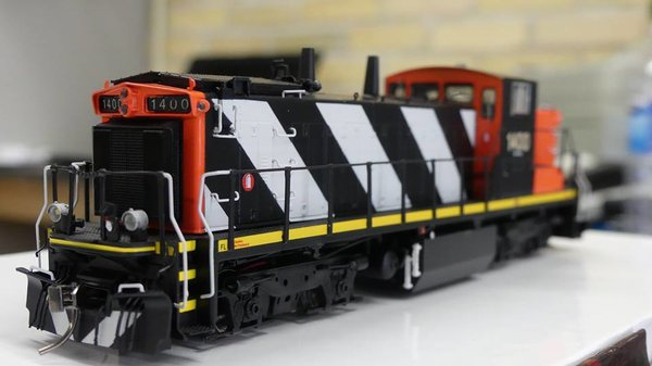 Rapido Ho Scale GMD-1B 4 Axle Canadian National Stripes DCC Ready W/ Ditchlights