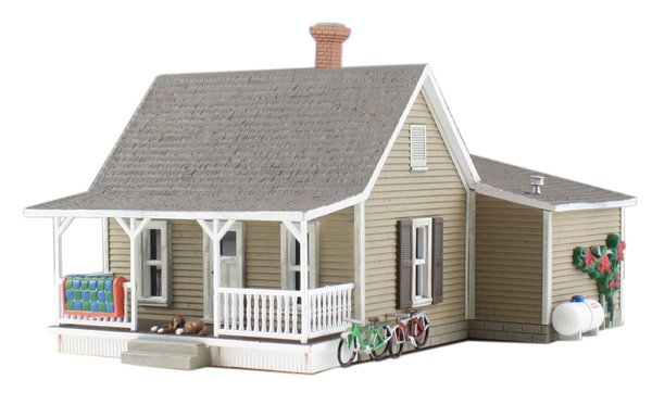 Woodland Scenics HO Scale Built & Ready granny's House