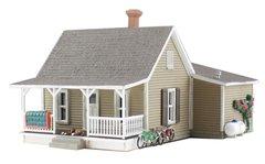 Woodland Scenics HO Scale Built & Ready granny's House