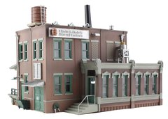 Woodland Scenics HO Scale Built & Ready Clyde & Dales' Barrel Factory