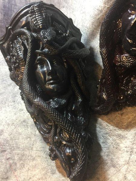Medusa Gothic, Skull Wall Sconce Set