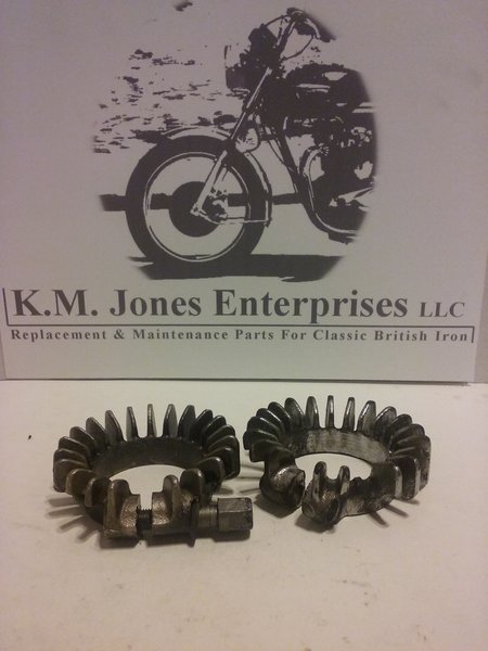 71-0216 / KMJ001, Clamp, Exhaust, Finned, 650's, USED