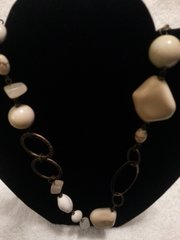Jewelry Necklace Brushed Gold and Ivory