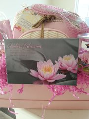 Gift Basket Lotus Flower