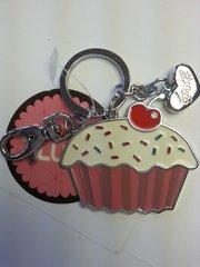 Fluff Cupcake Metal Keychain