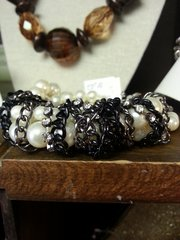 Jewelry Bracelet Pearl with Black Chain Accent