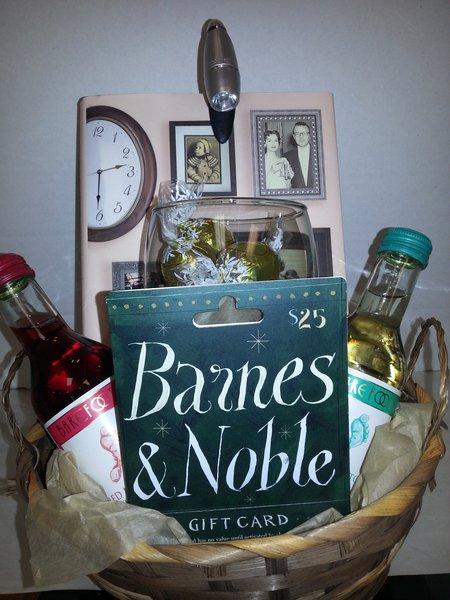 Book Reader Gift Basket Dylan S Unique Gifts Amp Weddings