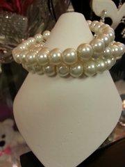 Jewelry Bracelet Triple Pearl
