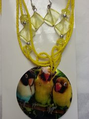 Jewelry Set Caribbean Shell Collection Yellow Bird Print