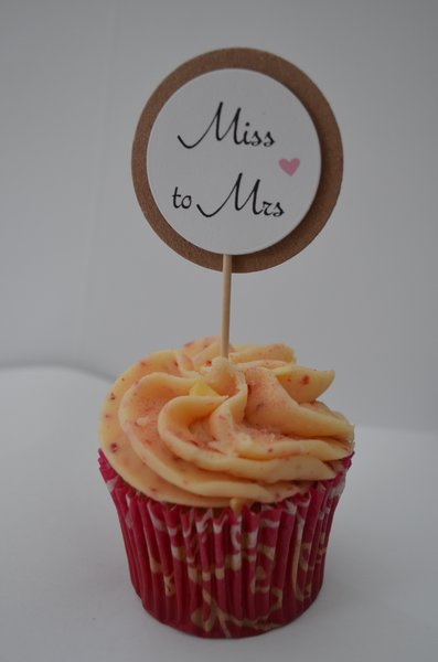 MISS TO MRS VINTAGE STYLE CUPCAKE TOPPERS