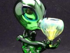 GREEN ALIEN SMOKIN A BOWL GLASS PIPE/6inch tall